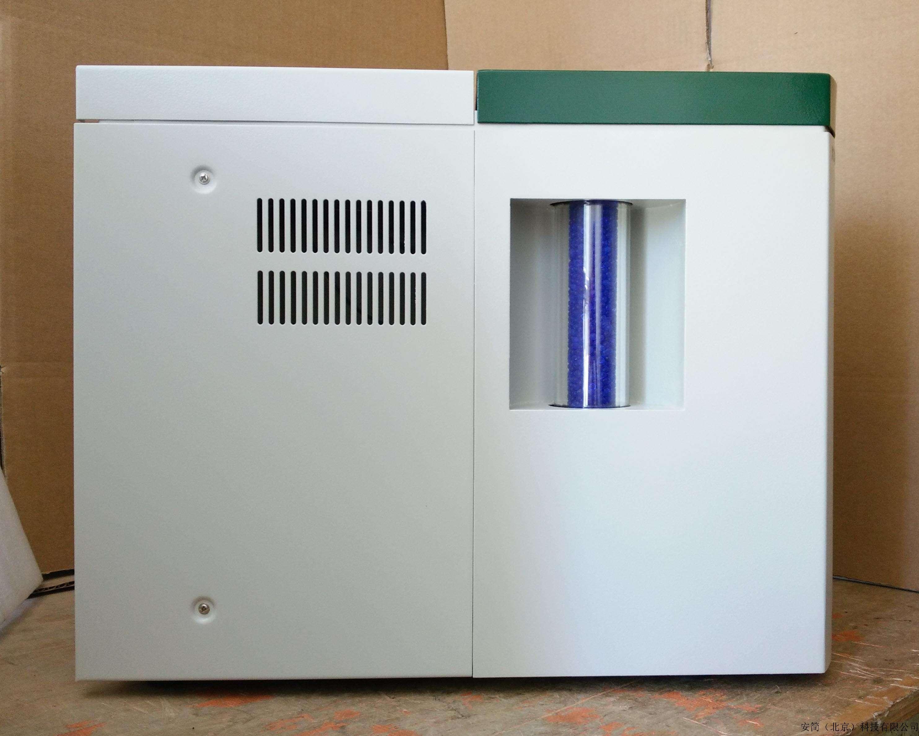 干噪管可视窗.便于观察干燥管的变色情况,有助于及时更换变色硅胶